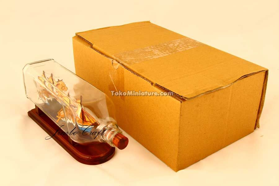 Packaging miniatur kapal